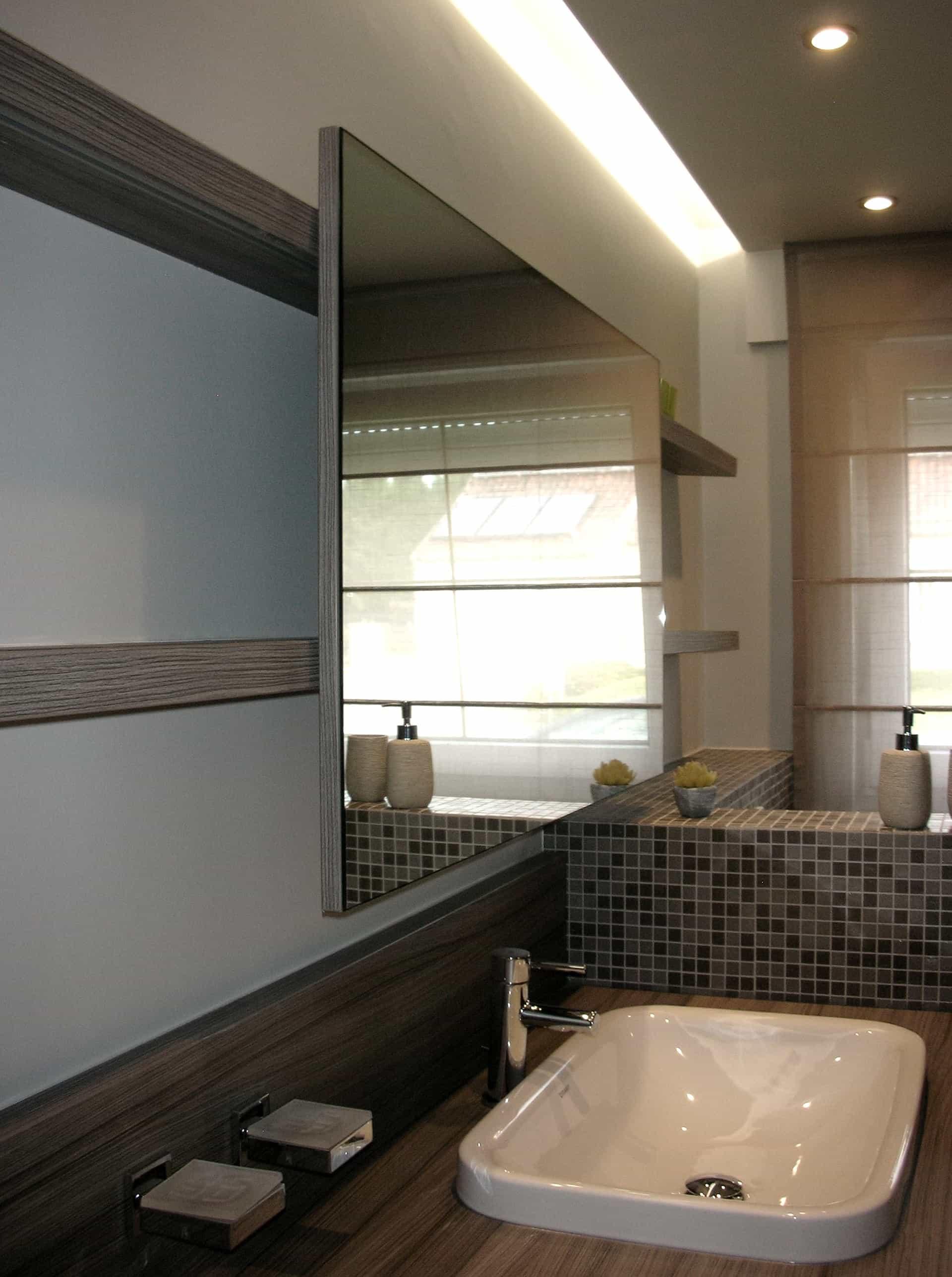 badkamermeubel met schuivende spiegel